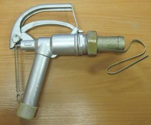 Кран раздаточный с автоматическим прекращением подачи топлива АТК-32